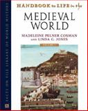 Handbook to Life in the Medieval World 9780816048878